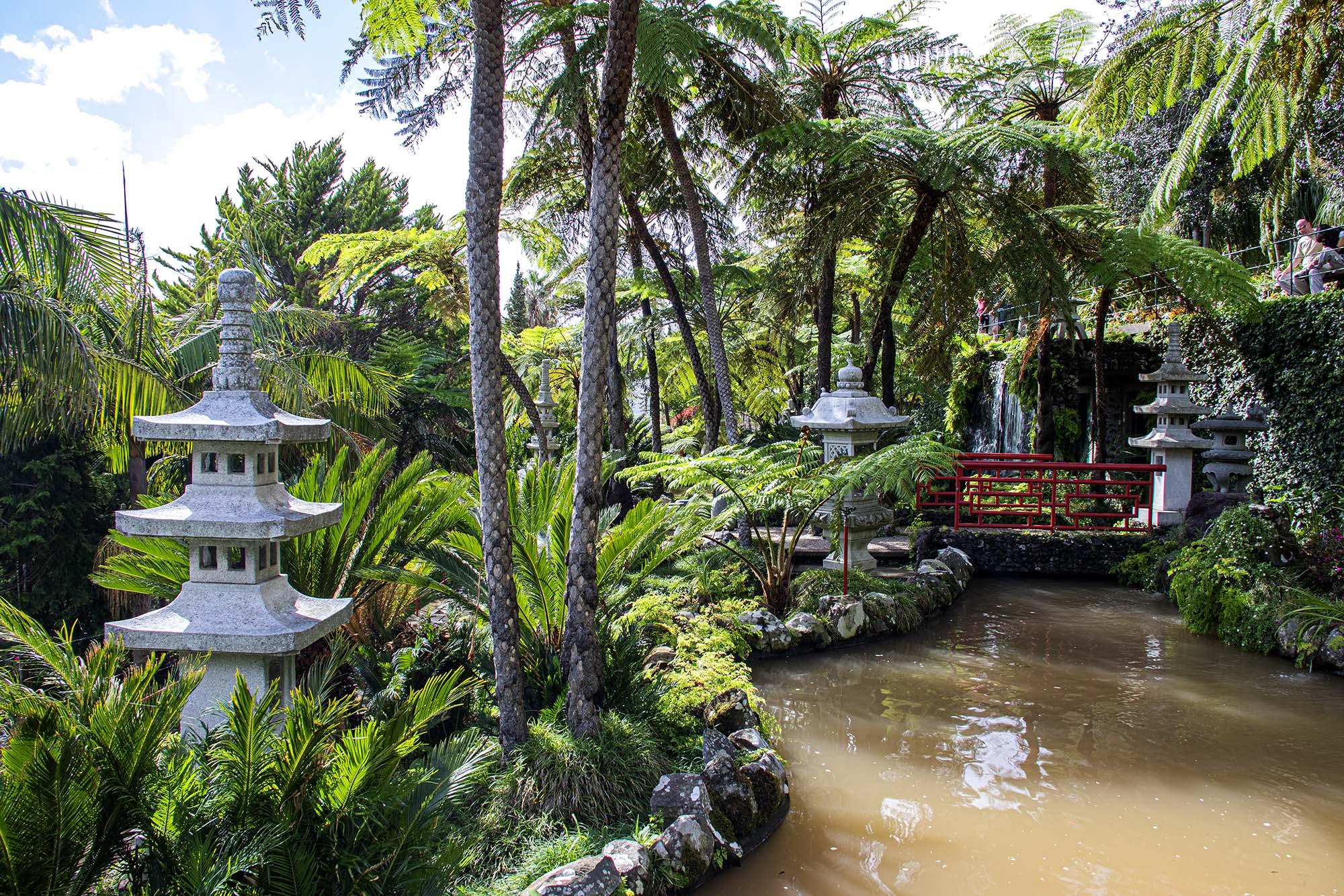 Lanterns in the Southern Oriental Garden
